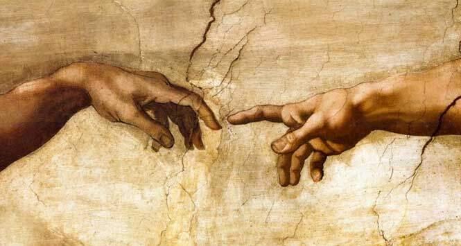 Detalle de las manos de la creación de Adán de Miguel Ángel Buonaroti